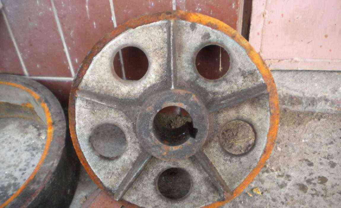 Разрушенние колеса ротомашины из чугуна